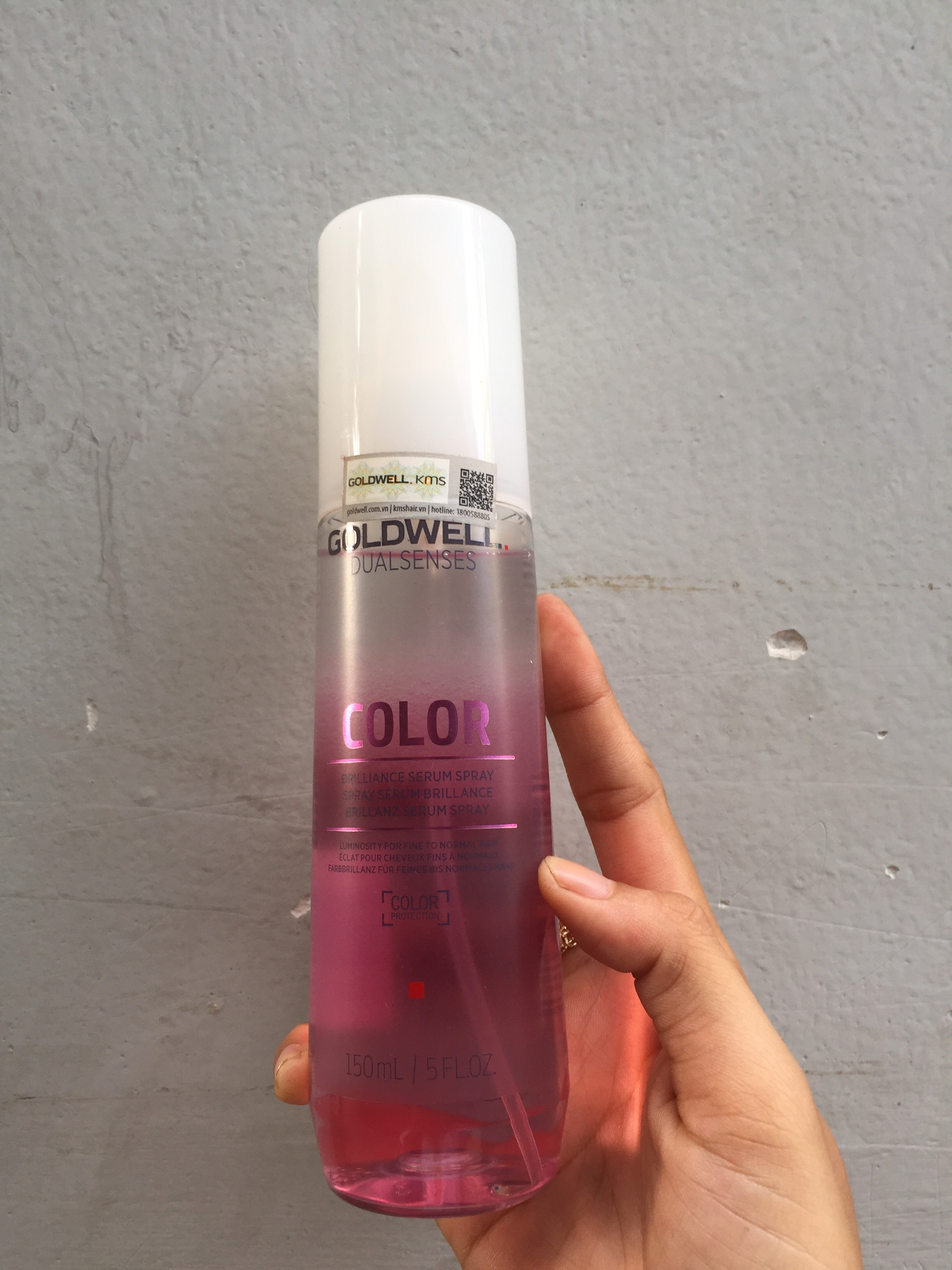 Xịt dưỡng màu tóc siêu mềm mượt Goldwell Color 150ml